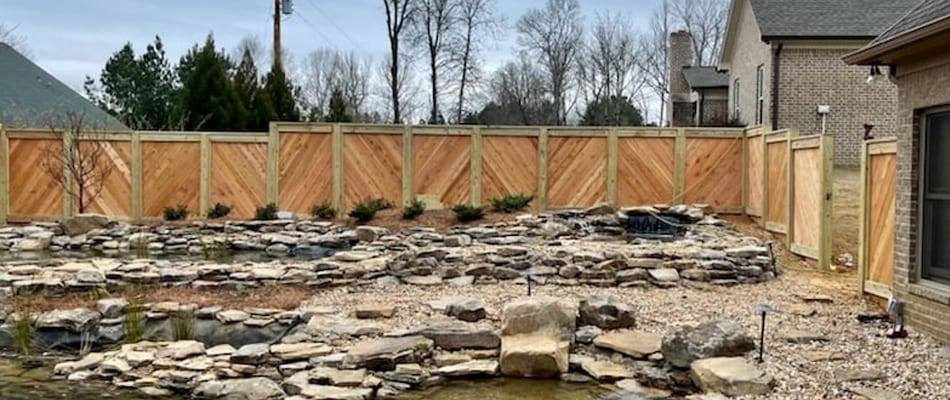 8 Key Considerations When Hiring A Fence Contractor